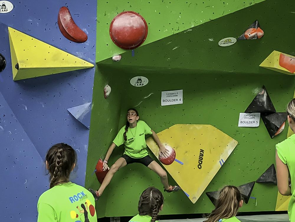 12 anos e escalando muito: a participação da atleta-mirim Amanda Criscuoli no RockJunior, na Itália