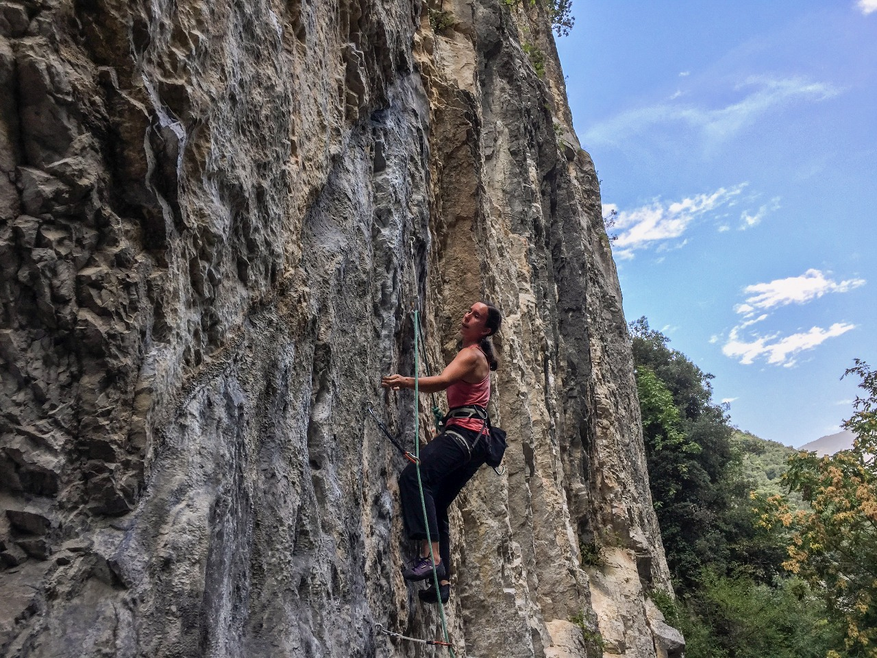 3 acessórios que fazem a diferença para seu desempenho na escalada esportiva